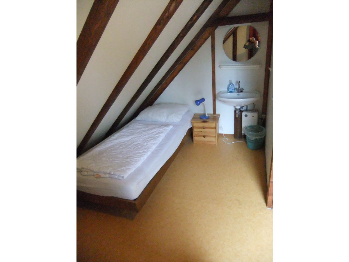 Kleines Schlafzimmer Mit Waschtischecke