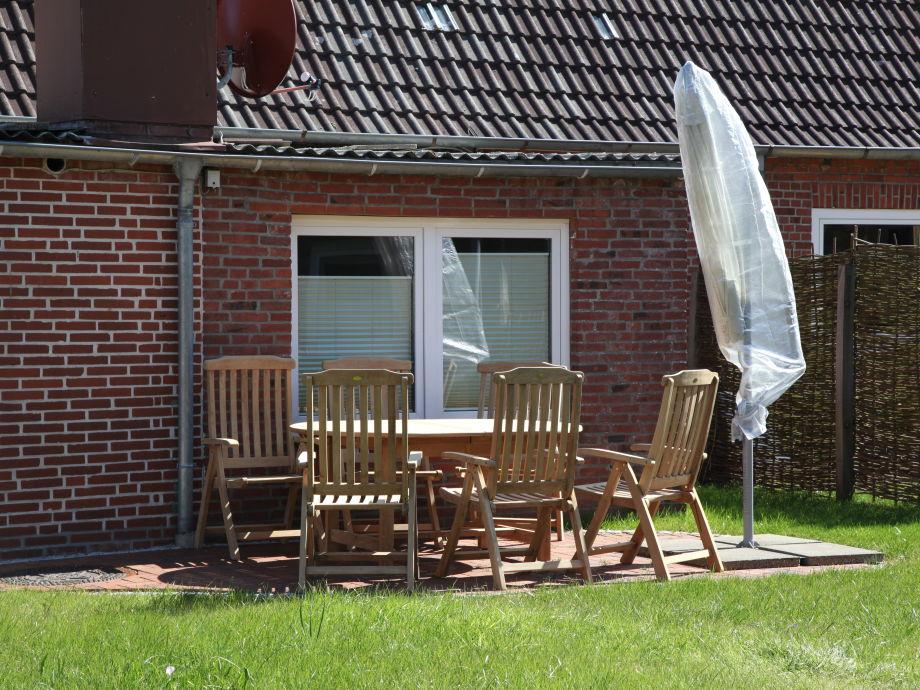 Holzmöbilierte Terrasse