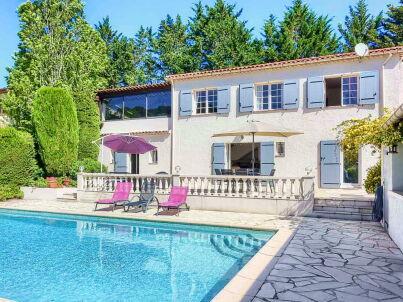 mit Pool und Garten direkt in Vallauris