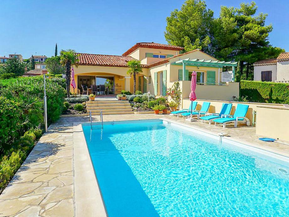 Villa mit Pool und Meerblick an der Côte d'Azur
