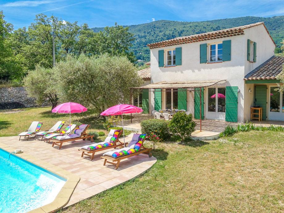 Ferienhaus mit Pool in Seillans in der Provence