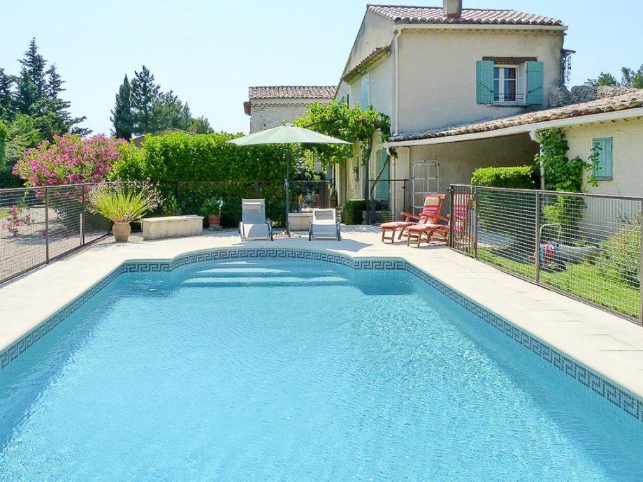Ferienhaus mit Pool bei Carpentras in der Provence