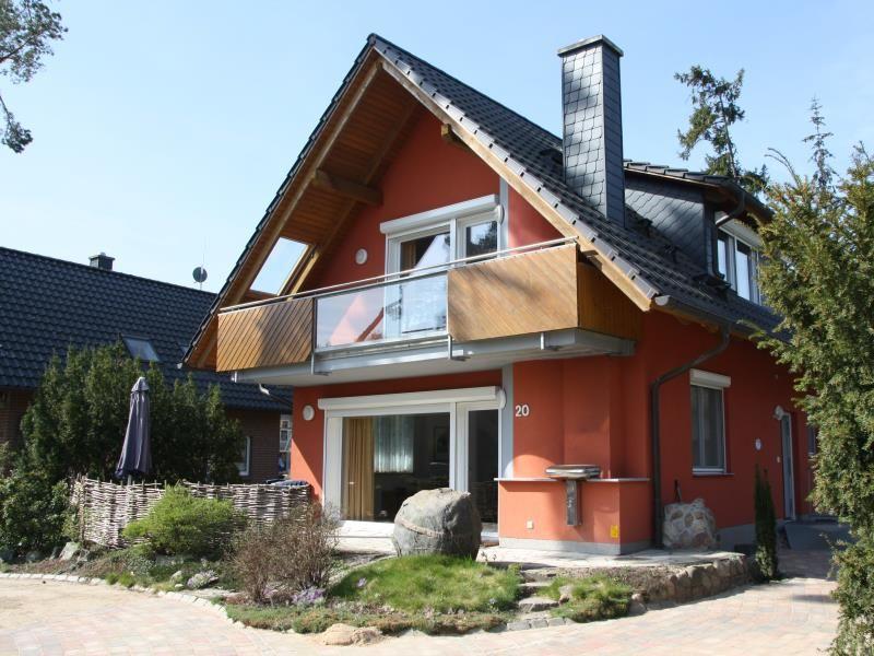 20 EG - schöne Ferienwohnung direkt am See in Röbel / Müritz