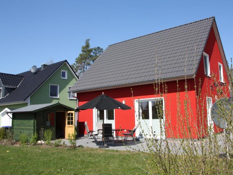 K 77 - 5 Sterne Ferienhaus mit Sauna, großem Garten & direkt am See in Röbel/Müritz