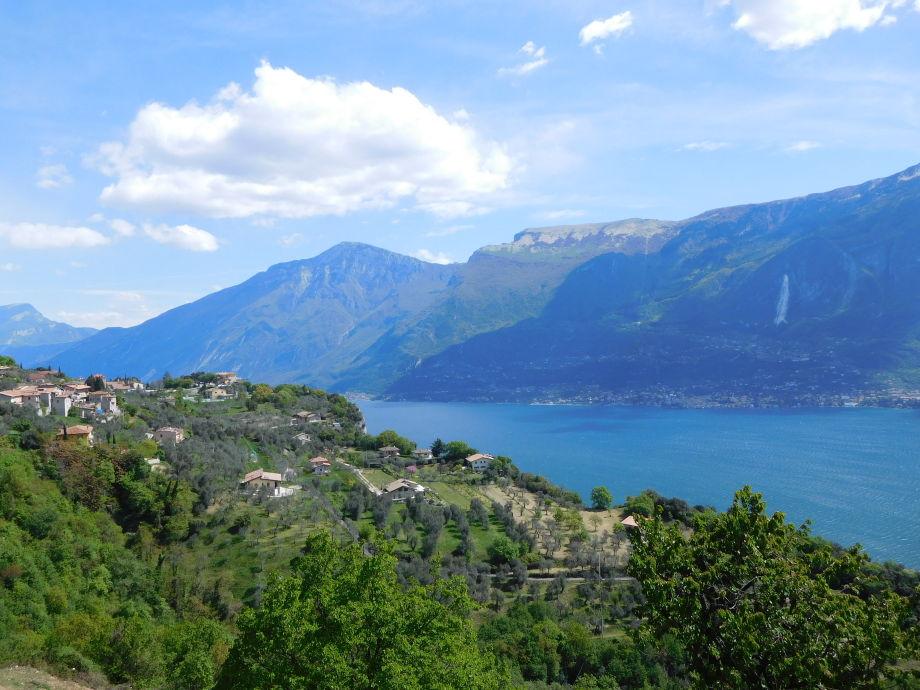 Blick auf die Landschaft und Gardasee
