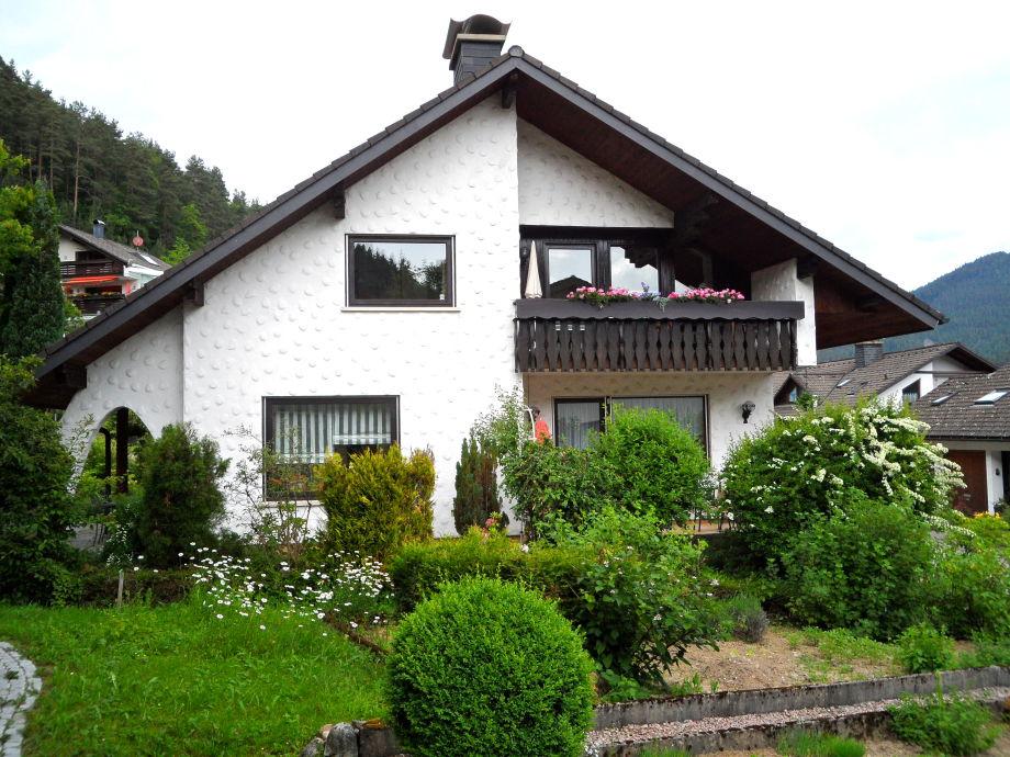 Haus Südansicht mit Gästebalkon