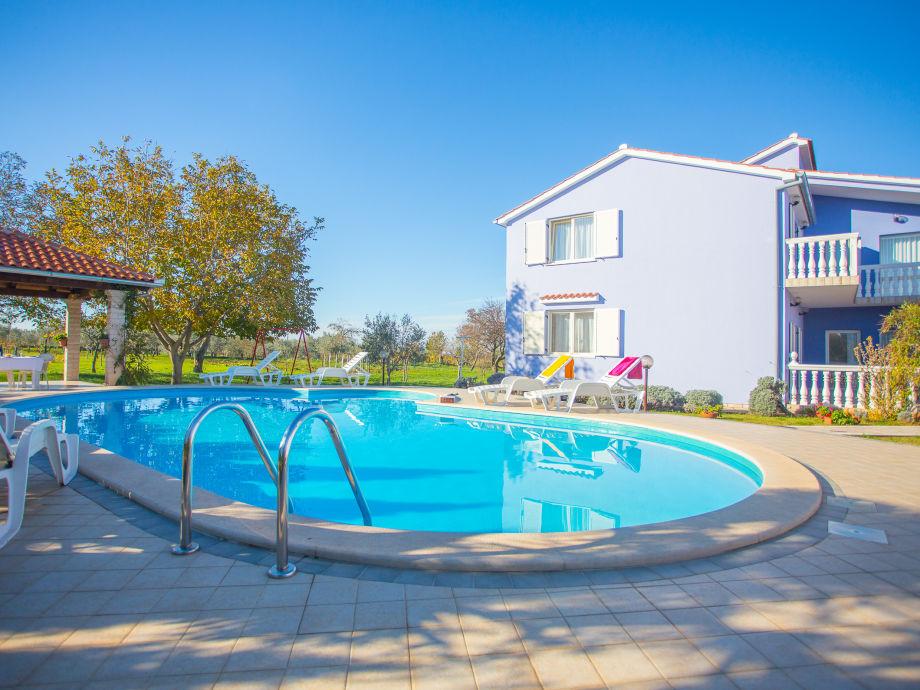 Ferienwohnung Valtura mit Pool