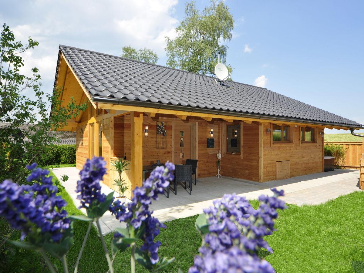 bayern chalet oberbayern berchtesgadener land firma bayern chalets gmbh co kg herr. Black Bedroom Furniture Sets. Home Design Ideas