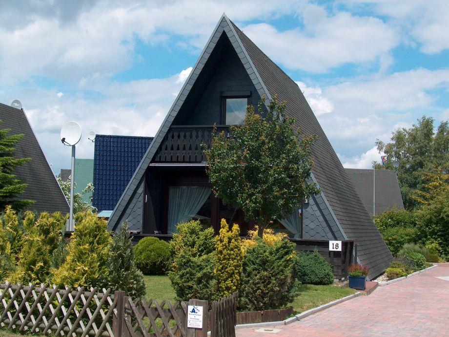 Haus Südseite mit Terrasse