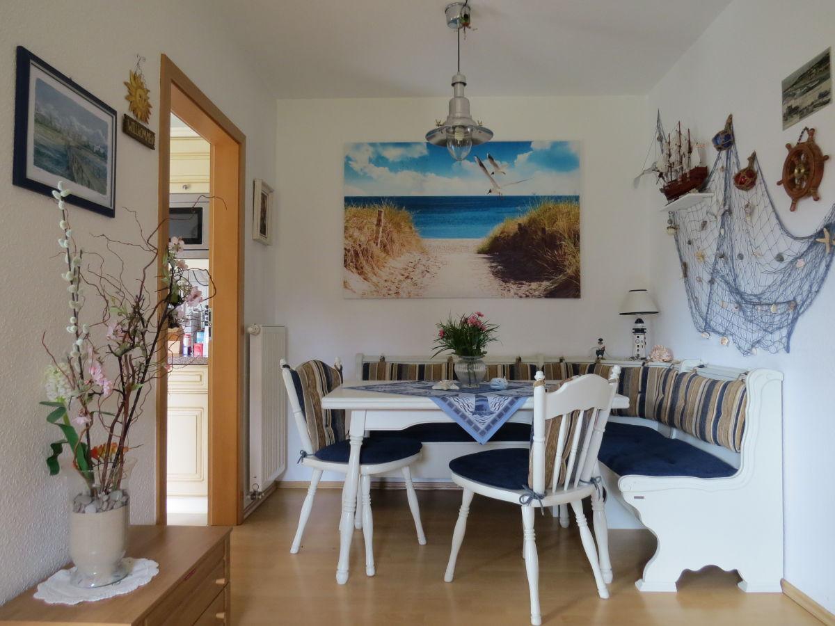 kleines wohnzimmer wohnzimmer mit essecke modern deko. Black Bedroom Furniture Sets. Home Design Ideas