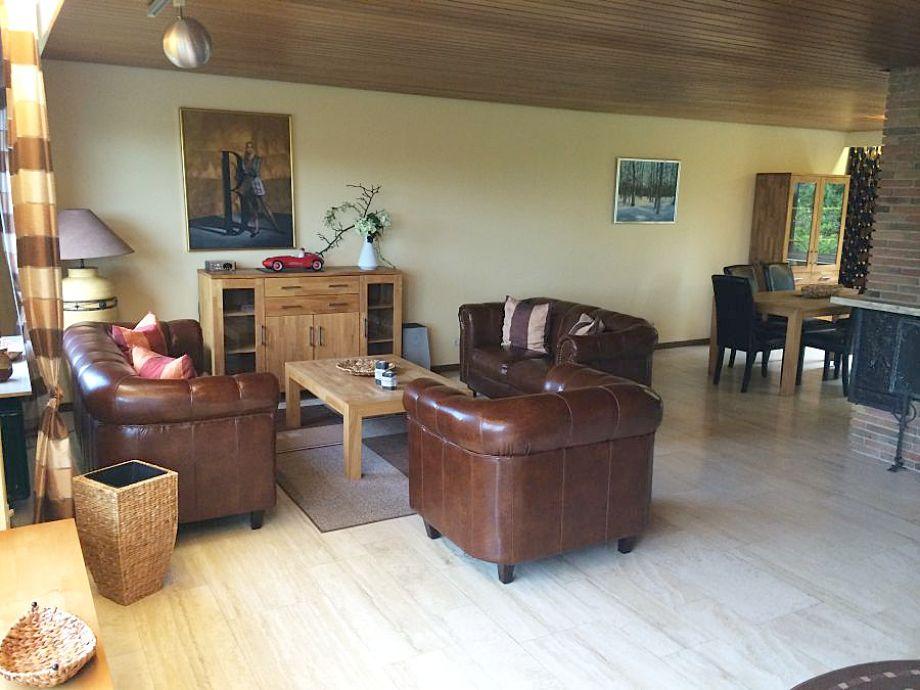 ferienhaus mit schwimmbad und sauna, willingen - firma becker, Wohnzimmer