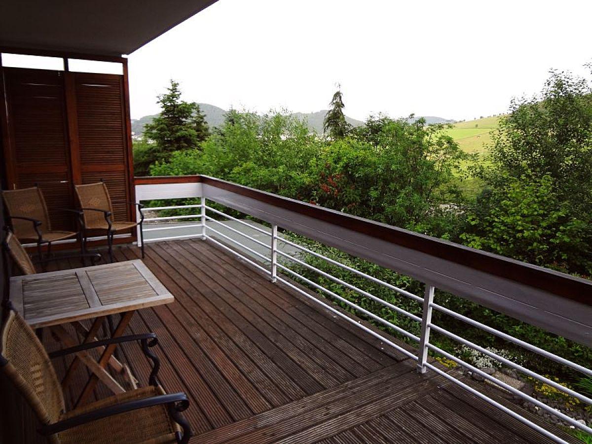 ferienhaus mit schwimmbad und sauna willingen firma becker vermietung herr martin becker. Black Bedroom Furniture Sets. Home Design Ideas