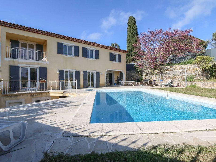 """Außenaufnahme Provenzalische & sehr exklusive Pool Villa """"Les Terrasses du Soleil"""""""