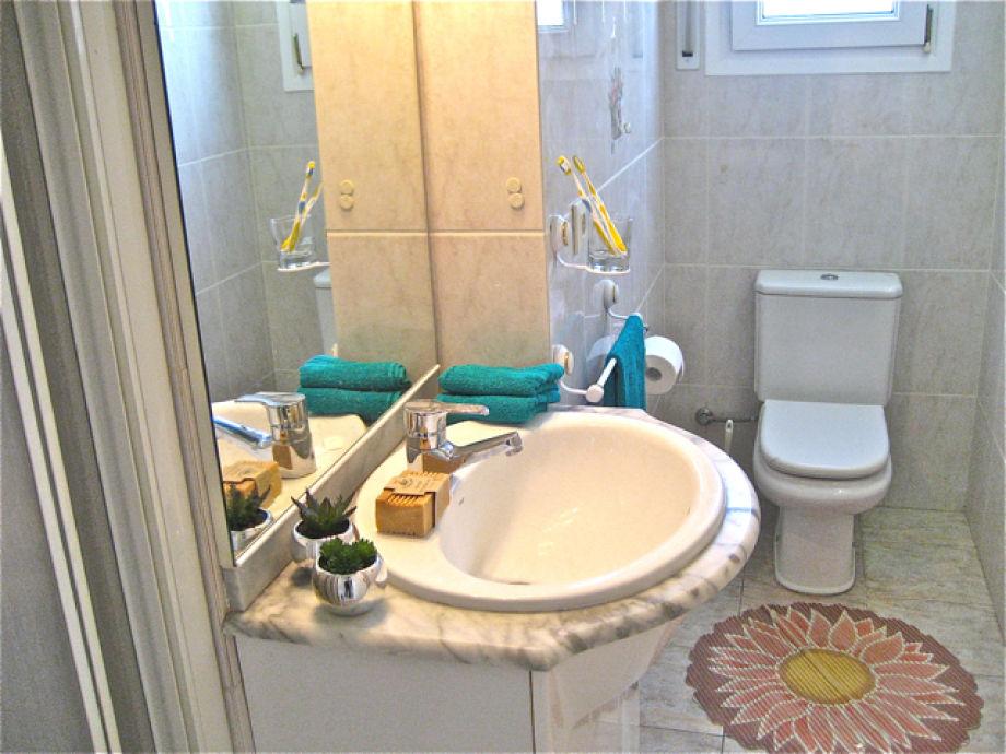 Eines Der 4 Badezimmer