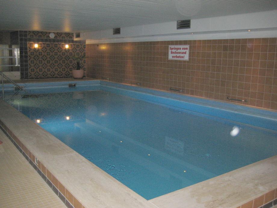 Schwimmbad im Haus ca. 70 m²