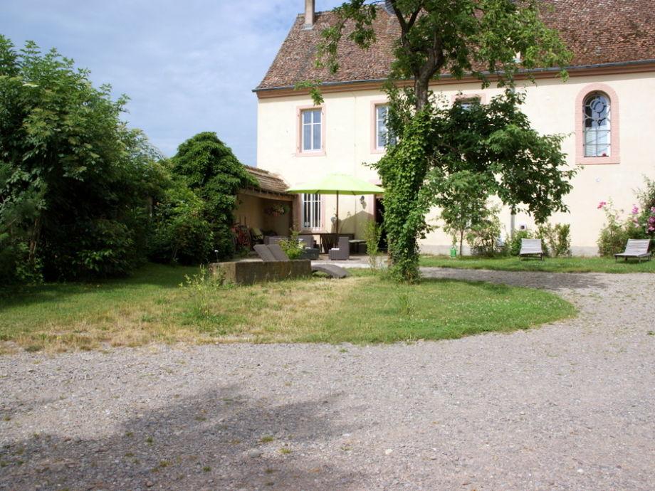 Ferienzimmer a l ancien couvent zum alten kloster elsass for Haus mit garten