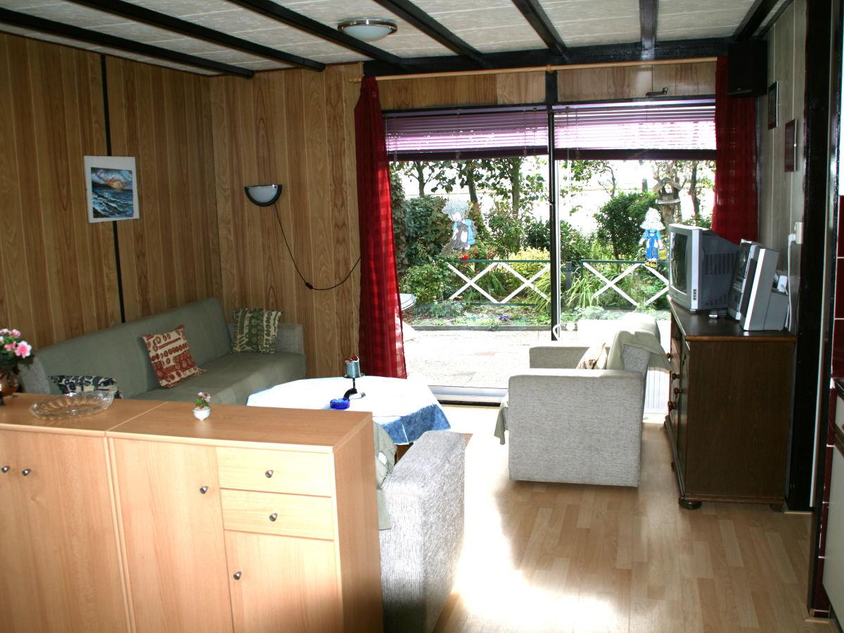 Bungalow eb en vloed 17 nord holland sint maartenszee firma great vakantiehuizen frau - Sitzecke wohnzimmer ...