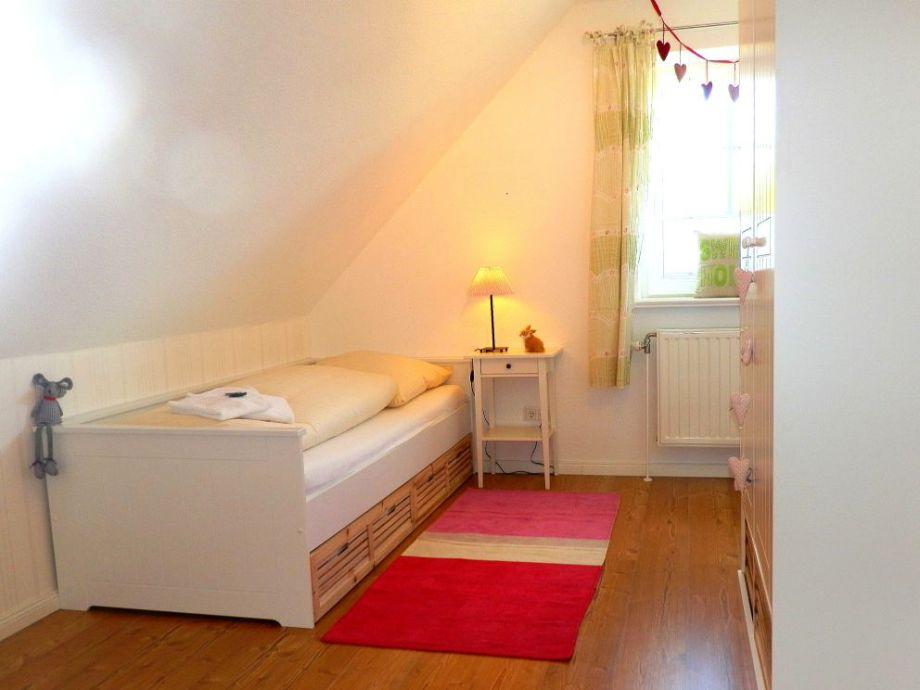 Liebevoll eingerichtetes Einzelbettschlafzimmer im OG