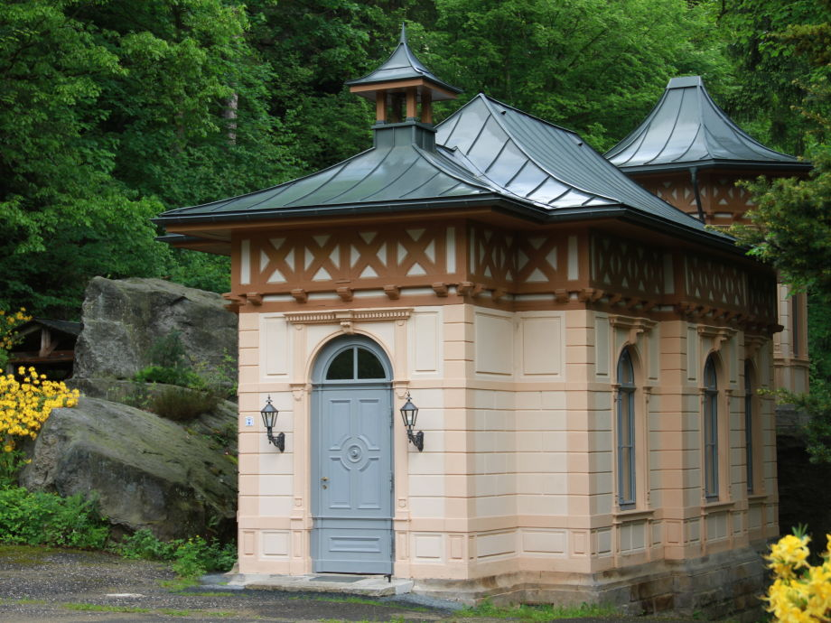 Das Ferienhaus vom Innenhof gesehen