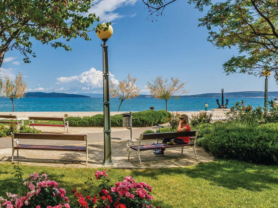 Villa Stela Dalmatia Split Mrs Stela Vucic : kaC5A1tela park and beach from www.vacation-apartments.com size 920 x 690 jpeg 216kB