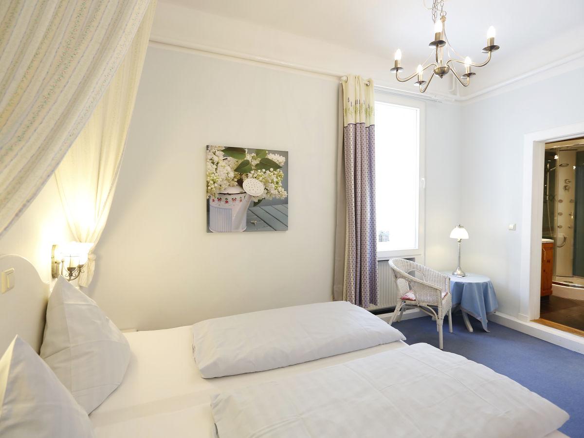 ferienwohnung gutsherrenwohnung freinsheim pfalz deutsche weinstra e firma wein und. Black Bedroom Furniture Sets. Home Design Ideas