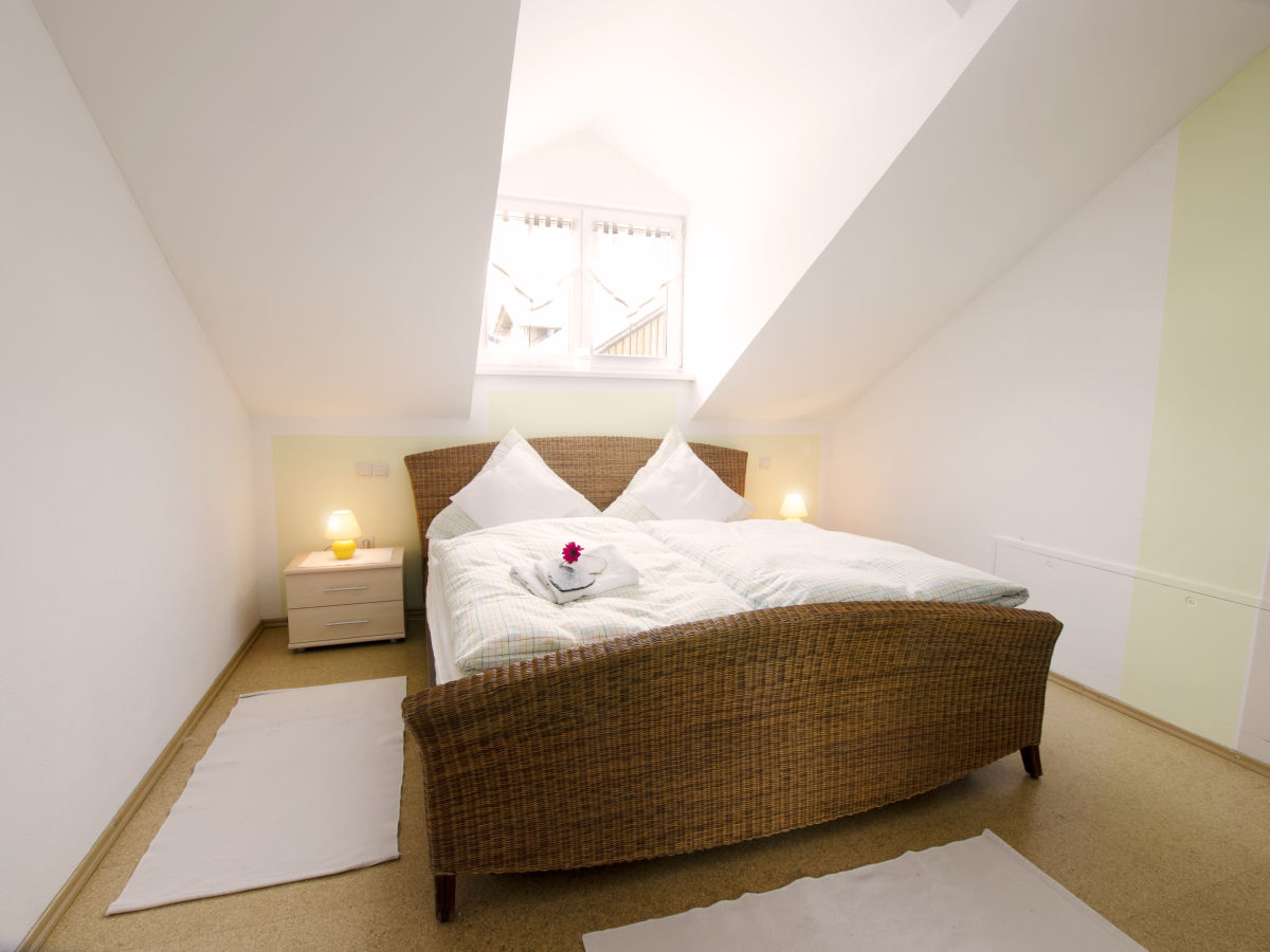 ferienwohnung 2 im haus aichinger bayerischer wald achslach frau renate aichinger. Black Bedroom Furniture Sets. Home Design Ideas