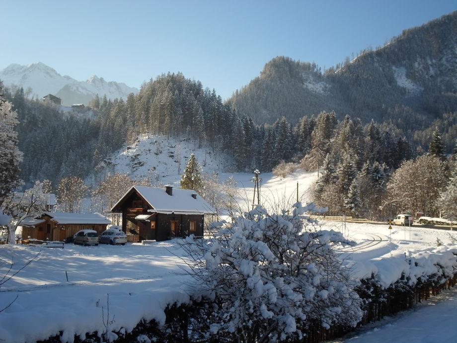 Jagdhaus mit Umgebung