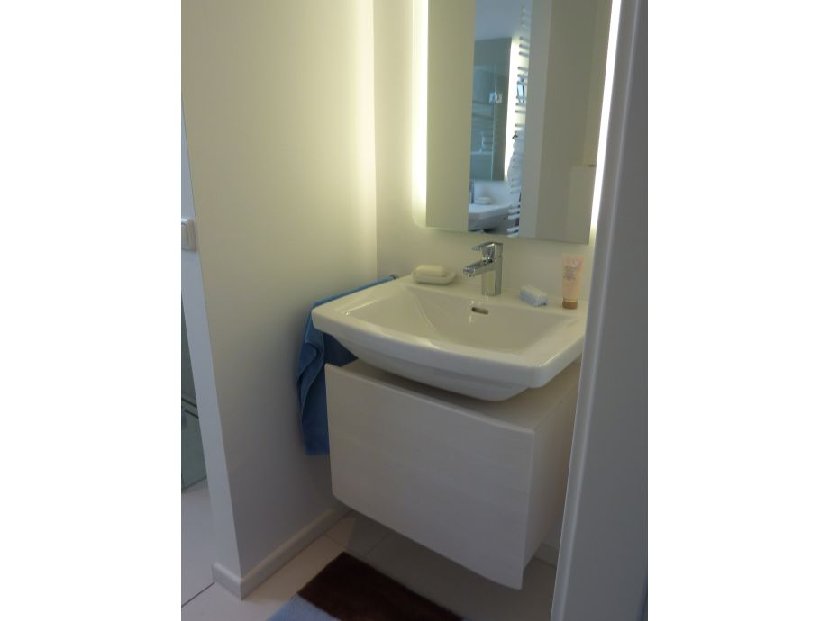 Ferienwohnung k stentraum cuxhaven duhnen direkt hinter for Hochwertige waschtische