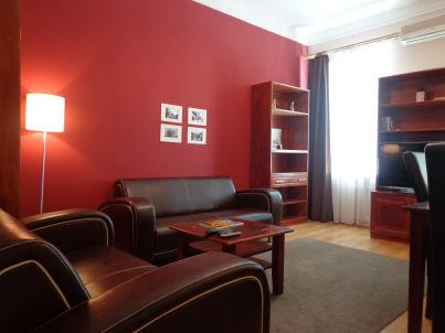 Schöne 4-Zimmer Ferienwohnung im Zentrum von Kiew