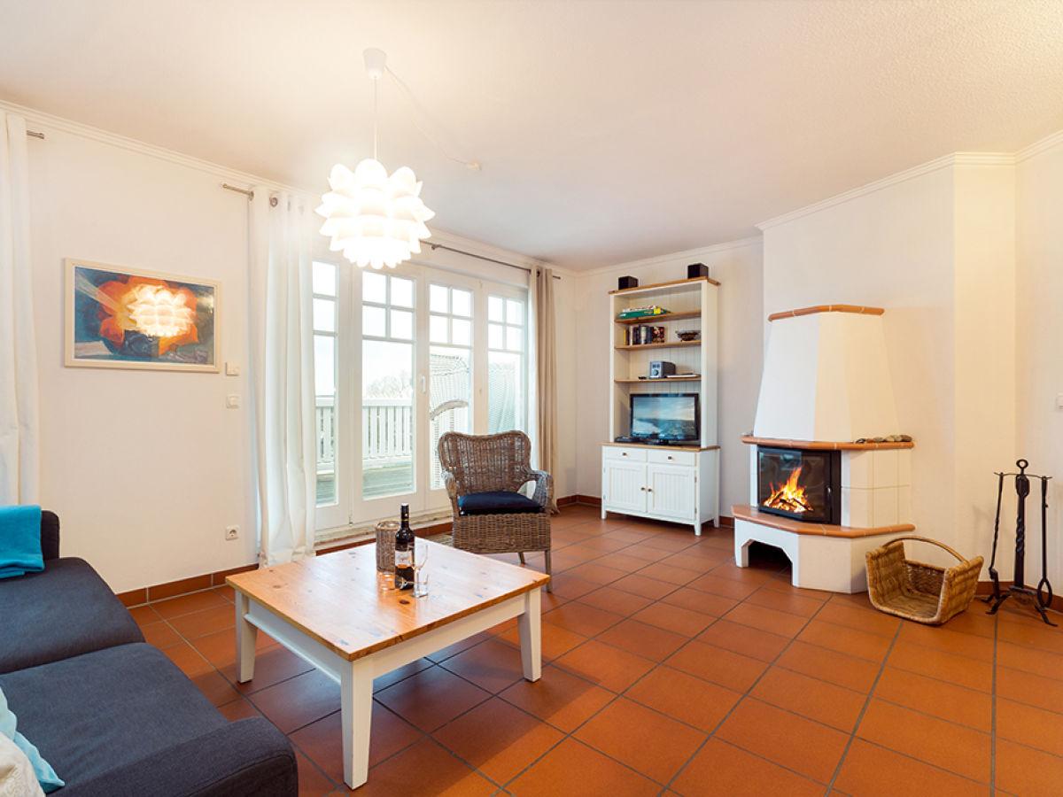 Ferienwohnung penthouse nr 10 in der villa grieben binz firma appartement vermittlung ott - Wohnzimmer mit kamin ...