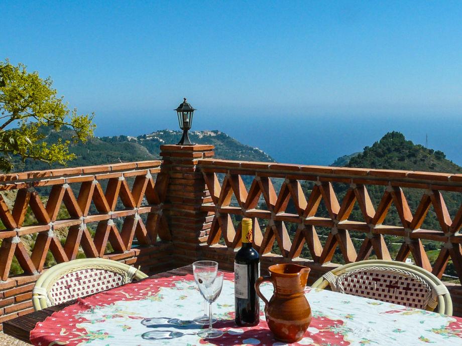 Unverbauter Meerblick von der Terasse des Ferienhauses