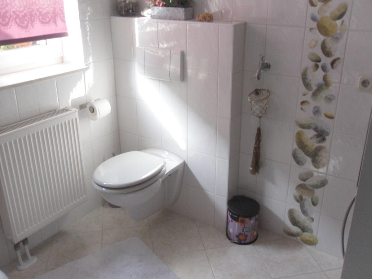 ideen g ste wc gestaltung erindzain. Black Bedroom Furniture Sets. Home Design Ideas