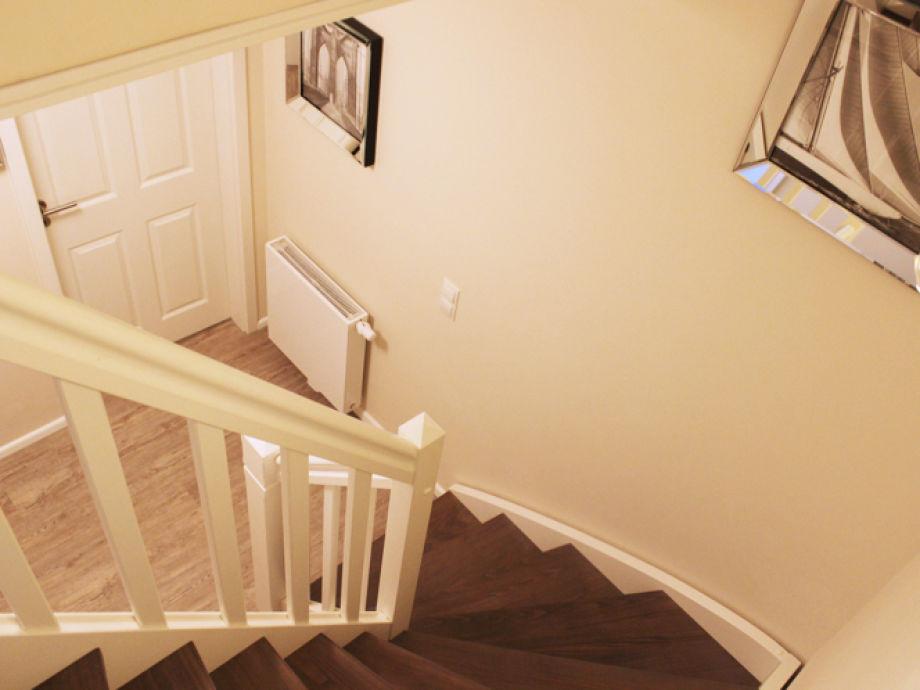 Flur Treppe ~ Kreative Bilder Für Zu Hause Design-Inspiration