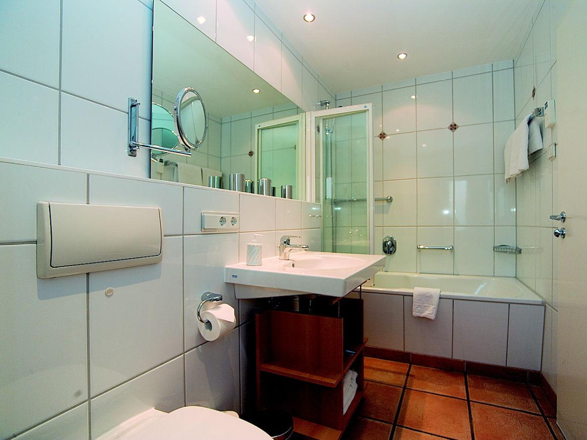Ferienwohnung inselhaus bessin vitte firma inselhaus for Exclusive badezimmereinrichtung