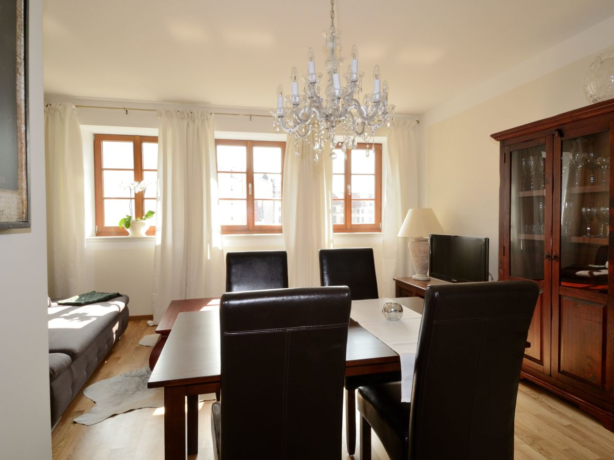 Ferienwohnung dresden city exklusiv i dresden altstadt for Wohnzimmer mit esstisch