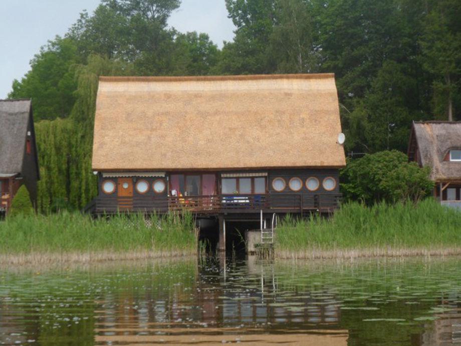 Blick auf das Ferienhaus Malchiner See