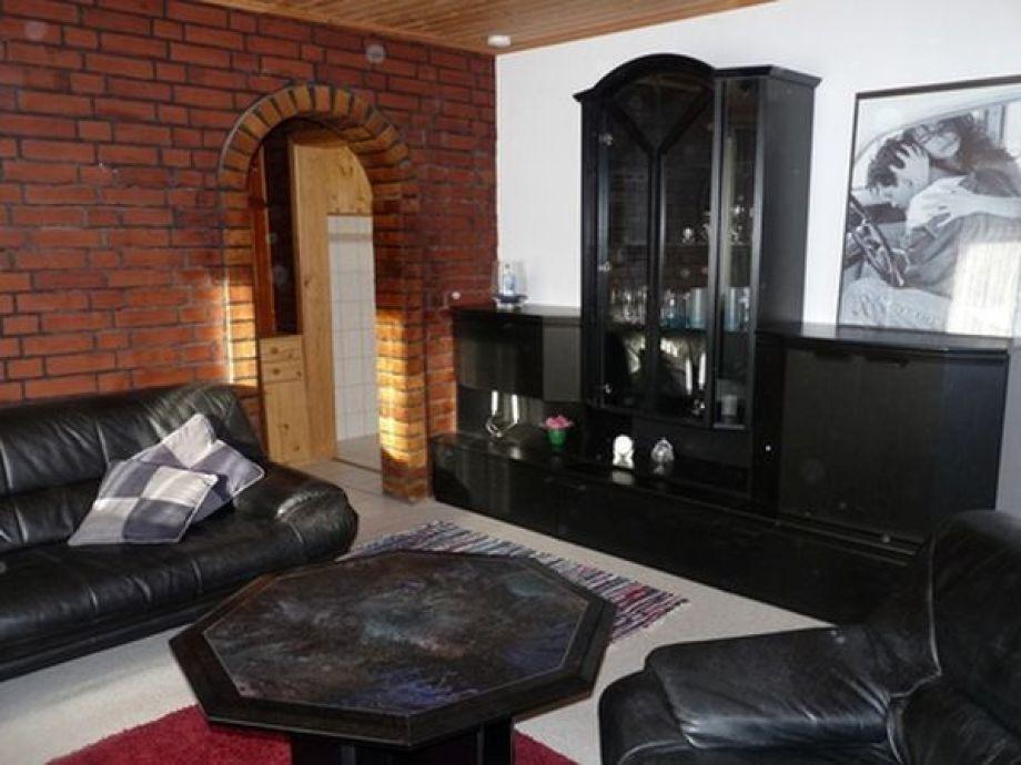 Wohnzimmer mit Schrankwand