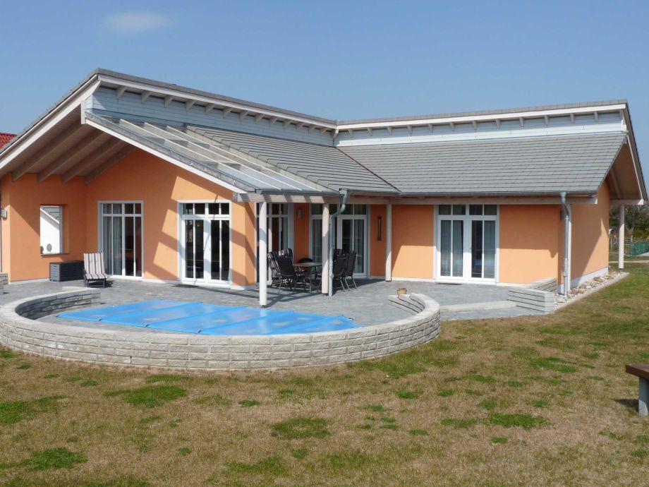 Ferienhaus in Strasen mit Pool
