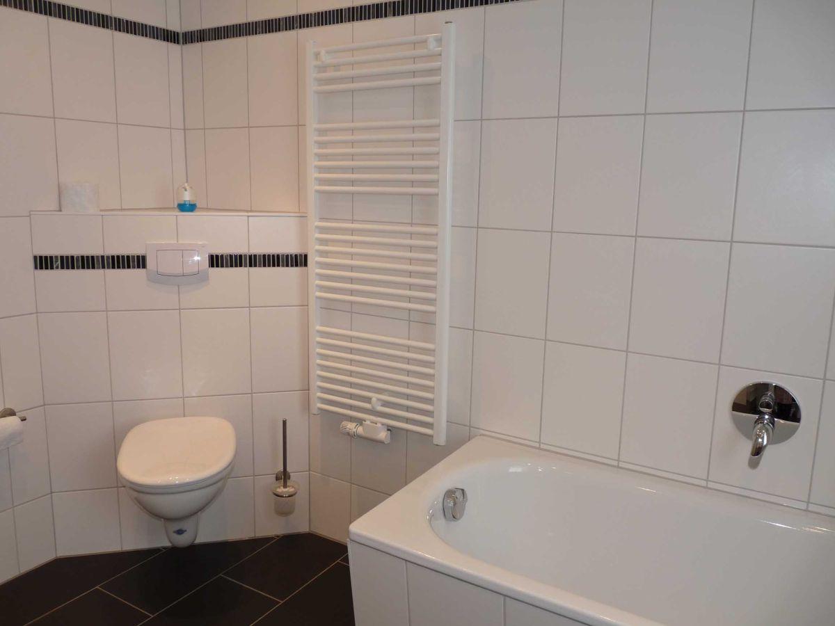 Ferienhaus in wesenberg feldberger seenlandschaft for Badewanne badezimmer