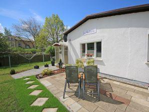 A.01 Ferienhaus In Suhemi mit Terrasse