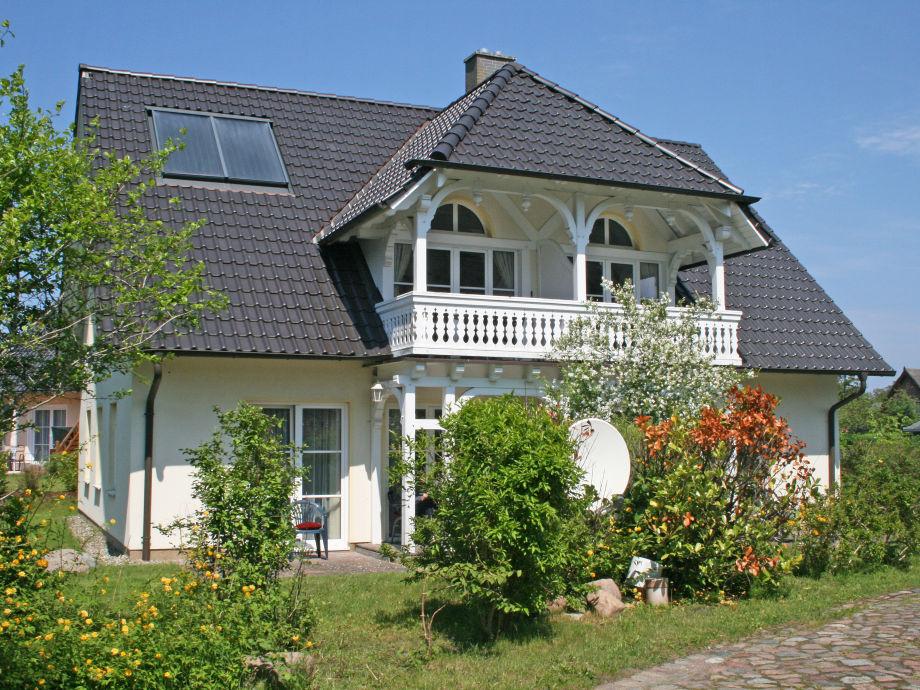 Außenaufnahme A.01 Haus Rügenwind im Erdgeschoss mit Terrasse