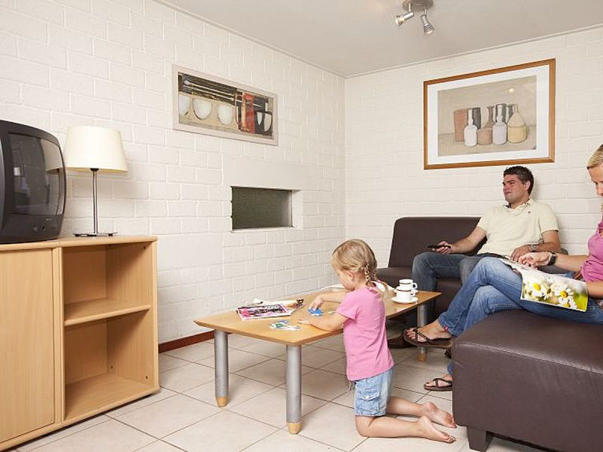 ferienhaus vlaamse gaai 2a 1 gelderland kootwijk firma vakantiepark de berkenhorst herr. Black Bedroom Furniture Sets. Home Design Ideas
