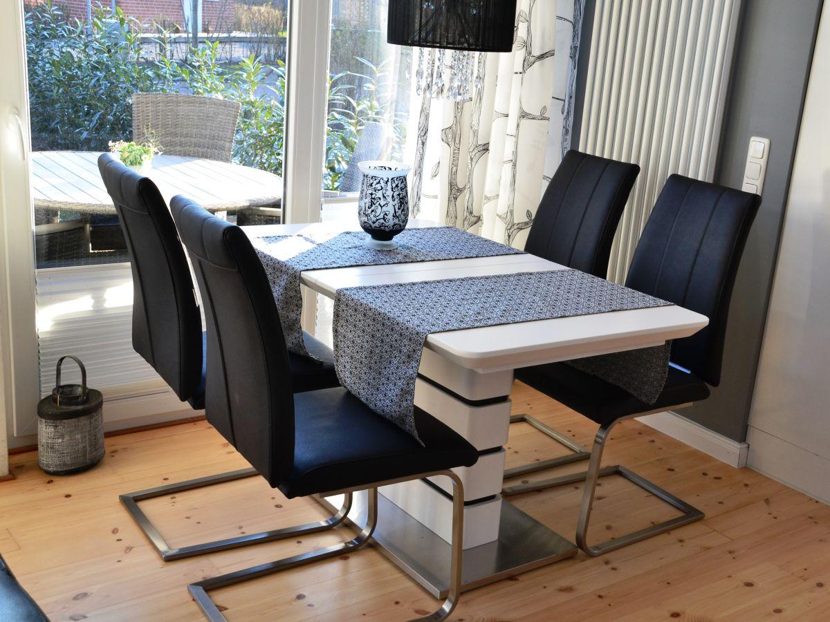 ferienhaus kleiner schwede an der ostsee sch nberger. Black Bedroom Furniture Sets. Home Design Ideas