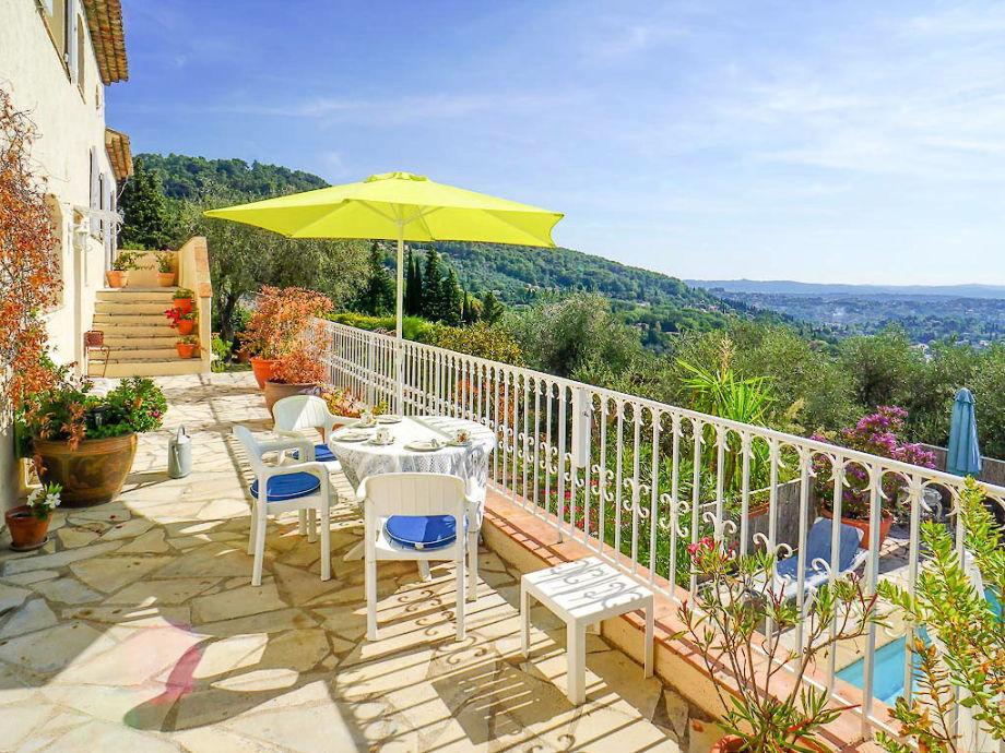 Traumhafter Blick von der Terrasse am Ferienhaus
