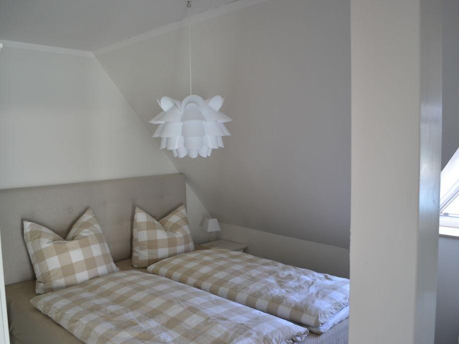 ferienwohnung austernfischer im hafenhaus r gen ostsee. Black Bedroom Furniture Sets. Home Design Ideas