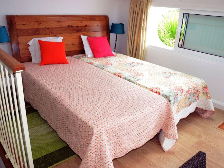 villa do mar ii calheta madeira firma mhrd lda frau linda dias. Black Bedroom Furniture Sets. Home Design Ideas