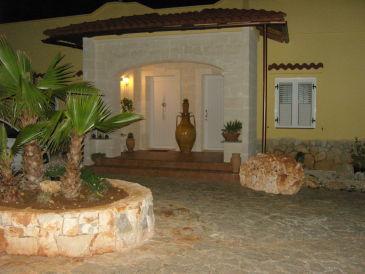 Villa Calma mit Meerwasser- Pool
