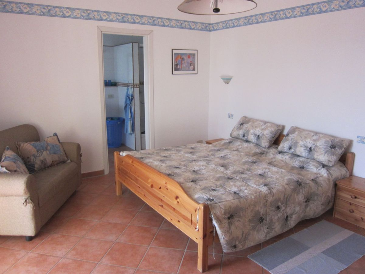 villa calma mit meerwasser pool apulien brindisi valle d 39 itria ostuni frau ursula thom. Black Bedroom Furniture Sets. Home Design Ideas