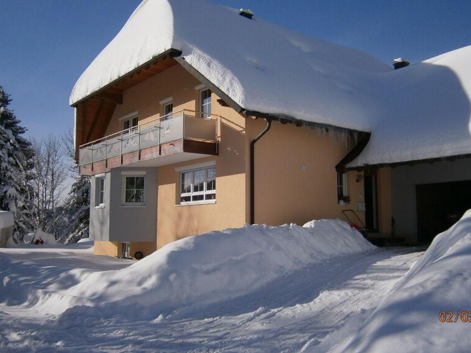 Haus bei Schnee