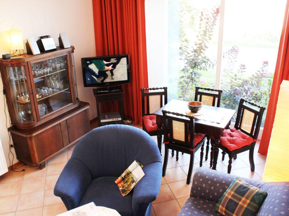 Wohn- und Esszimmer mit Sat-TV
